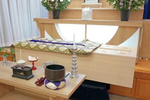 0家族葬のマナー:家族葬とは故人と深い絆の人たちで行なう葬儀です20